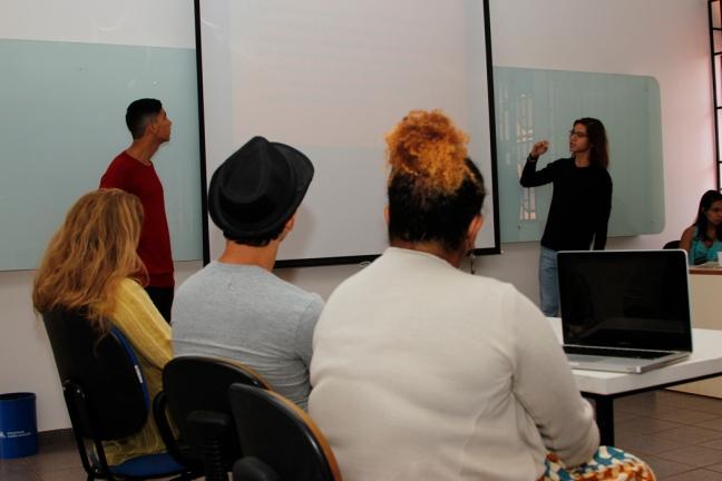 Alan Rios e Iago Kieling durante apresentação do Seminário Interprogramas. Foto: Poliana Fontenele