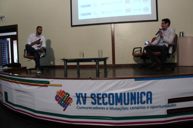 Ygor Brito e o Prof. Leandro Bessa. Foto: Aline Brito
